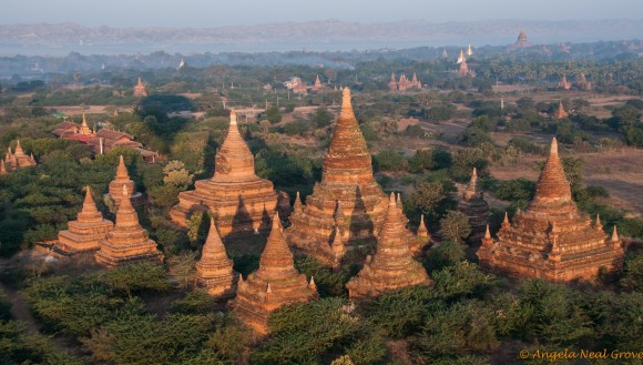 Sunrise over the plains of Bagan